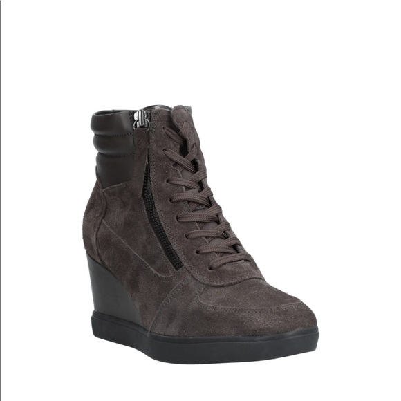 a390e69ddfa3 New! Geox High Top D Eleni Wedge Sneaker brown-9 NWT
